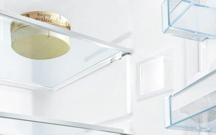 Đèn Led chiếu sáng tiết kiệm điện của tủ lạnh side by side BOSCH KAD92SB30