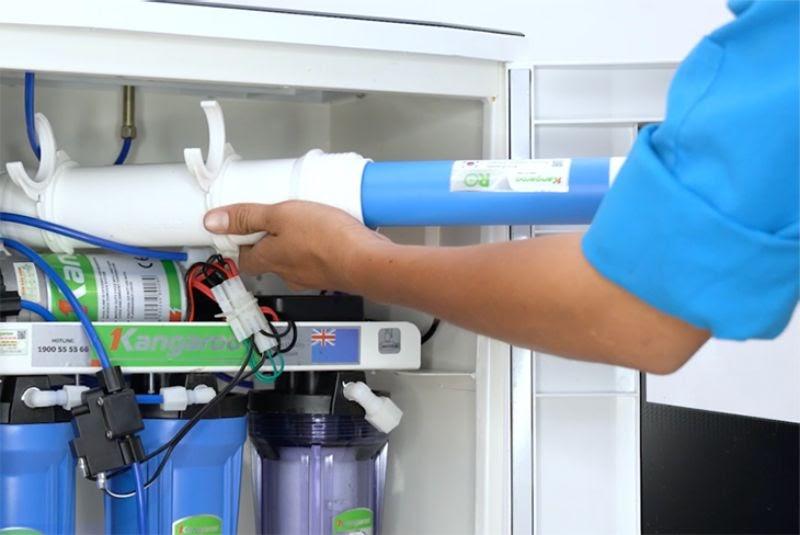 Lắp lõi vào cốc lọc - cách lắp máy lọc nước