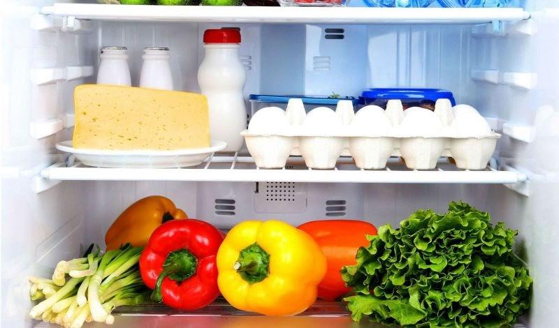 Lau dọn tủ lạnh thường xuyên