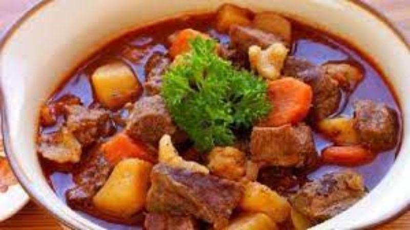 Thịt bò kho khoai tây