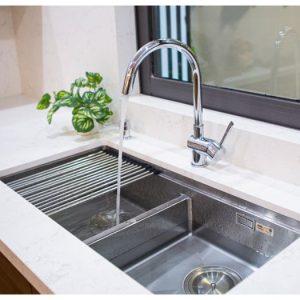 Vòi rửa bát KN1206 phù hợp với mọi thiết kế chậu rửa