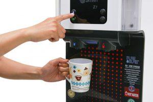 Lấy nước dễ dàng với máy lọc nước AO Smith RO-Z7