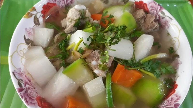 Canh thịt heo củ cải