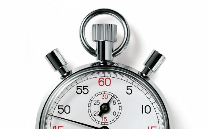 Tính năng hẹn giờ của máy rửa bát Bosch SMS46GW01P giúp người dùng tiết kiệm thời gian