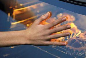 Kiểm soát nhiệt độ tự động với lò nướng kết hợp Vi sóng Bosch CMG636BS1