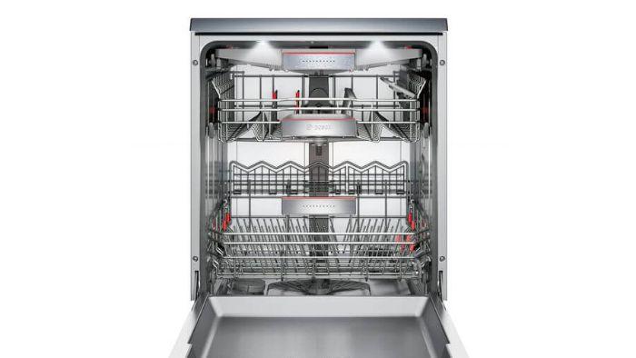 Khoang máy của máyrửa bát Bosch SMS88UI36E