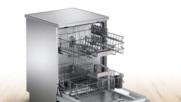 Khoang máy thép không rỉ của máy rửa bát Bosch SMS46GI01P