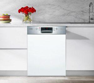 Máy rửa bát Bosch SMI46KS01E thiết kế bán âm, tạo điểm nhấn cho không gian bếp
