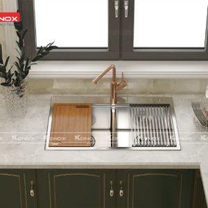 Độ thẩm mỹ cho căn bếp nhà bạn sẽ được tăng điểm với Chậu rửa bát konox KN8850TD