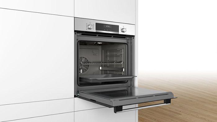 Thiết kế của lò nướng Bosch HBA5570S0B sang trọng, thu hút