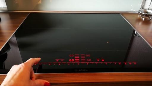 Bảng điều khiển bếp từ Bosch PXX675DC1E