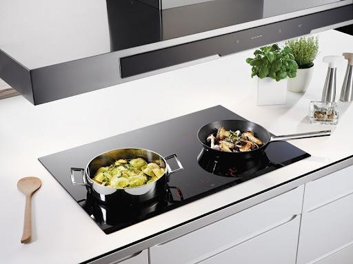 Bếp từ Bosch nấu được nồi có đáy làm từ thép tráng men