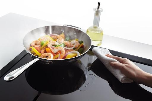 Lỗi bếp từ Bosch E9