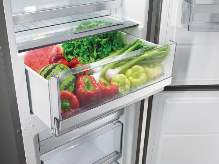 Khay chứa multibox drawer được tích hợp trên Tủ lạnh Bosch 2 cánh Side by Side KAN92VI35O