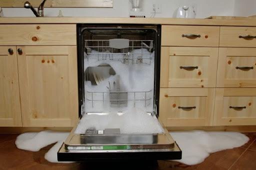Sử dụng dung dịch rửa bát không đúng