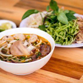 Bún bò Huế - món ăn đặc sản miền Trung