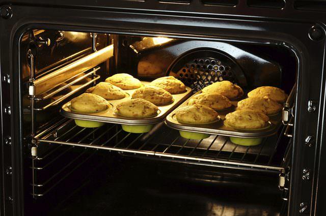 Công thức nấu ăn tự động tiện lợi của Lò nướng Bosch HBG635BB1