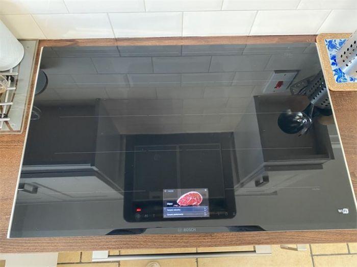 Hình ảnh thực tế Bếp từ Bosch PXY875KW1E