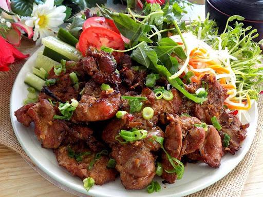 Món nướng bằng chảo - salad thịt nướng