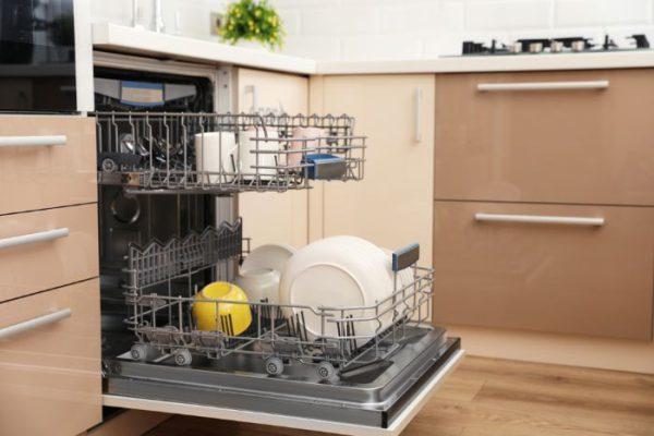 So sánh máy rửa bát bosch và Fujishan
